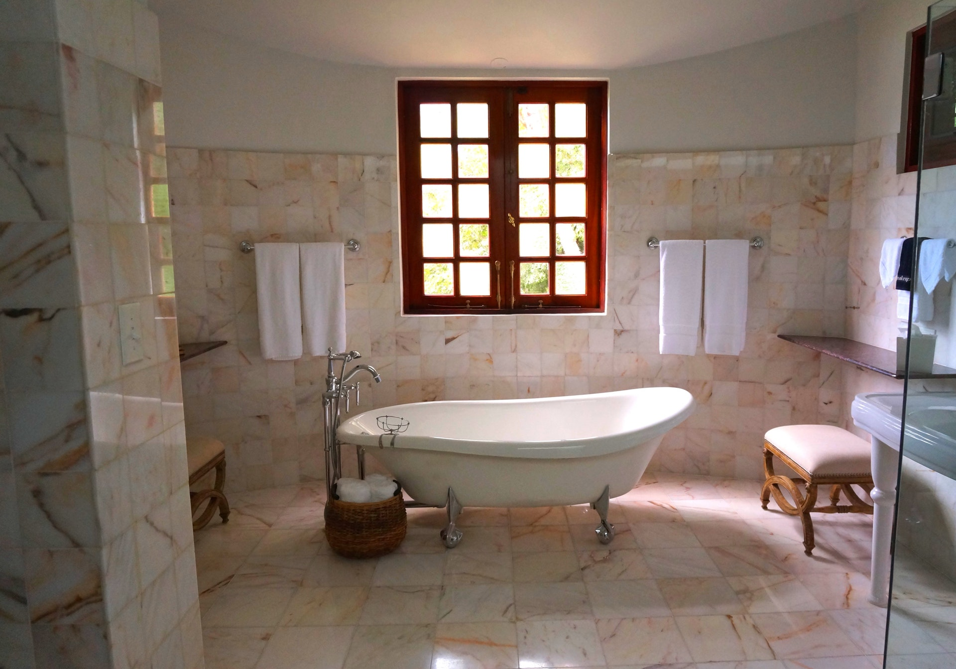 Alege gresia si faianta pentru baie