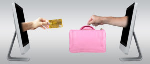 Cumpara-ti geanta dintr-un magazin online