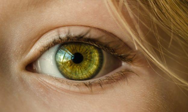 Deschide culoarea ochilor prin machiaj