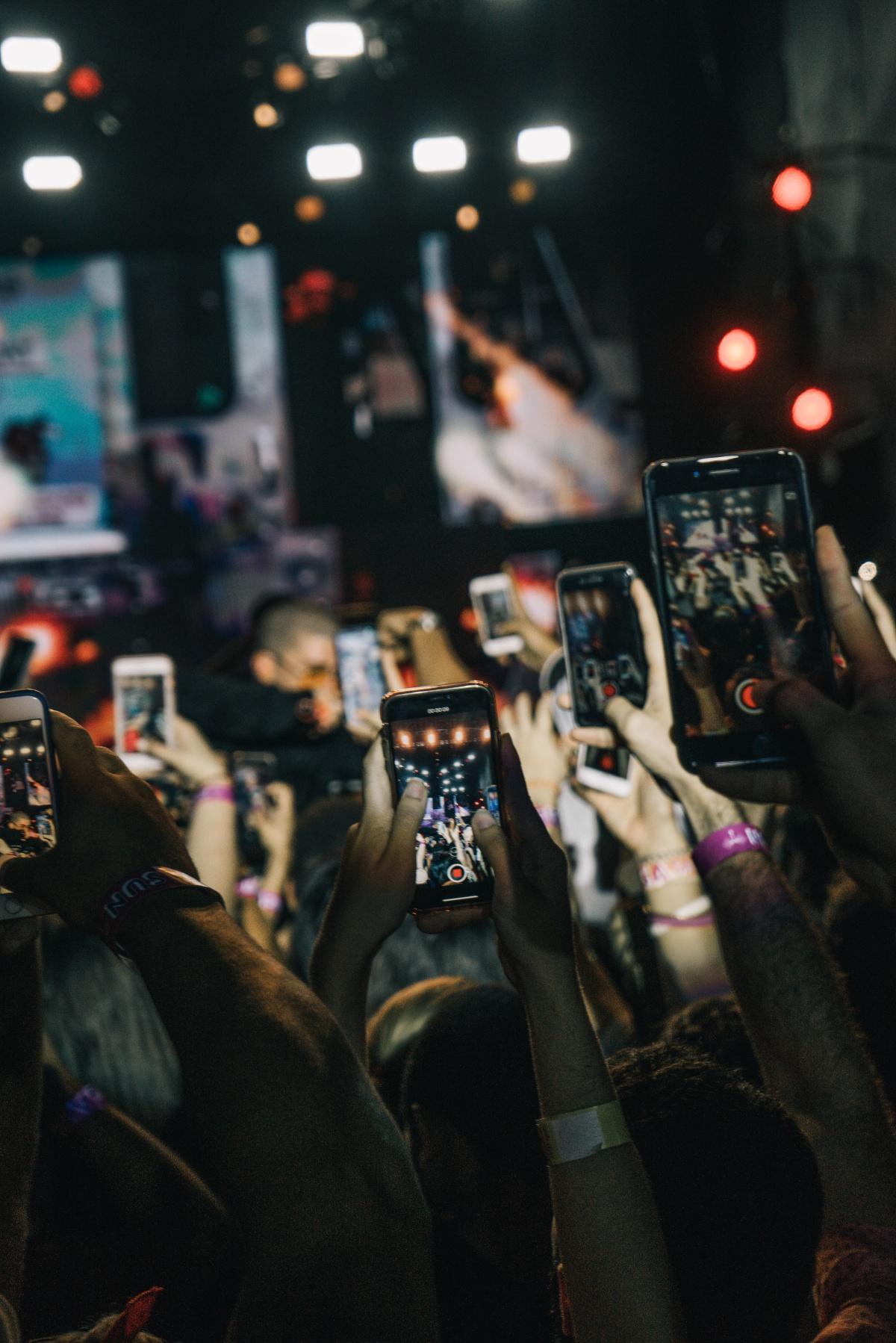 trenduri pe internet pentru mobil